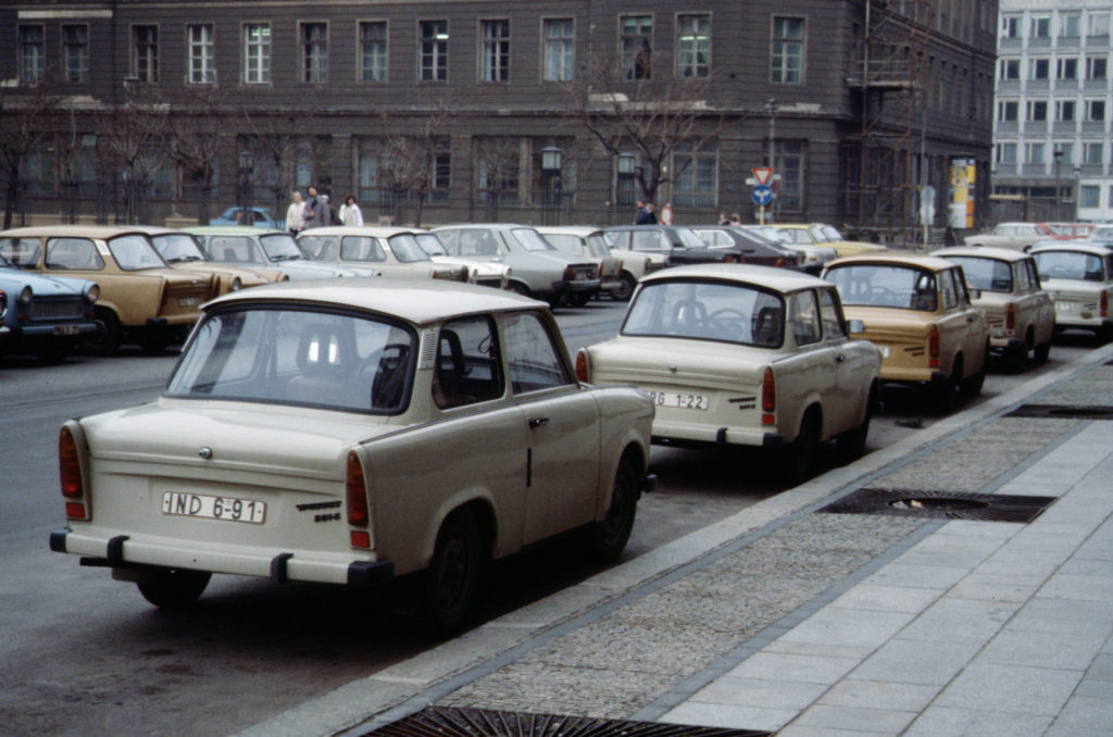 Von Raphaël Thiémard from Belgique - Berlin 1989, Fall der Mauer, Chute du mur, CC BY-SA 2.0, https://commons.wikimedia.org/w/index.php?curid=8409038